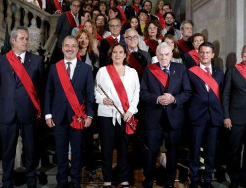 Espanya i Catalans estuvo presente en el acto de constitución del Ayuntamiento de Barcelona y la toma de posesión de la Alcaldía