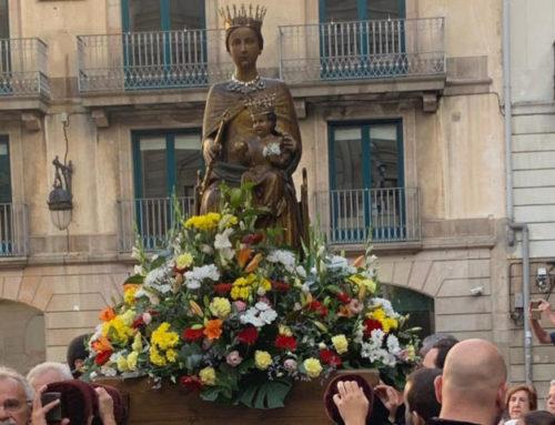 Espanya i Catalans en Procesion en la Basilica Solemne de la Merced