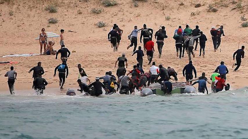 inmigrantes playa